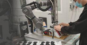 robot screw fastening collaboration bboard sol